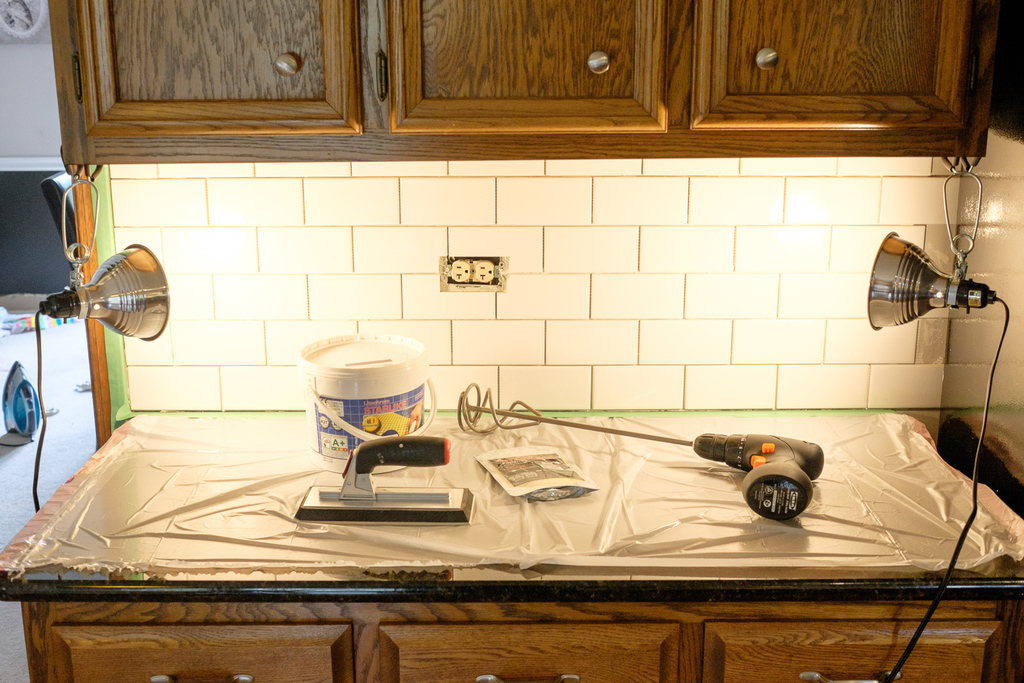 subway tile backsplash with stainmaster glamour grout albion gould