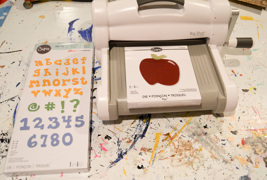 Sizzix Big Shot Plus and Laura Kelly Dies