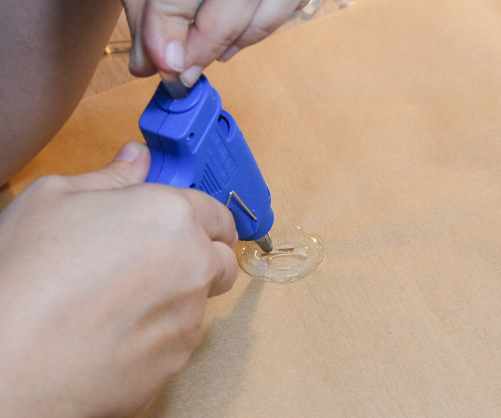 Fifteen Minute Hot Glue Button Brooch