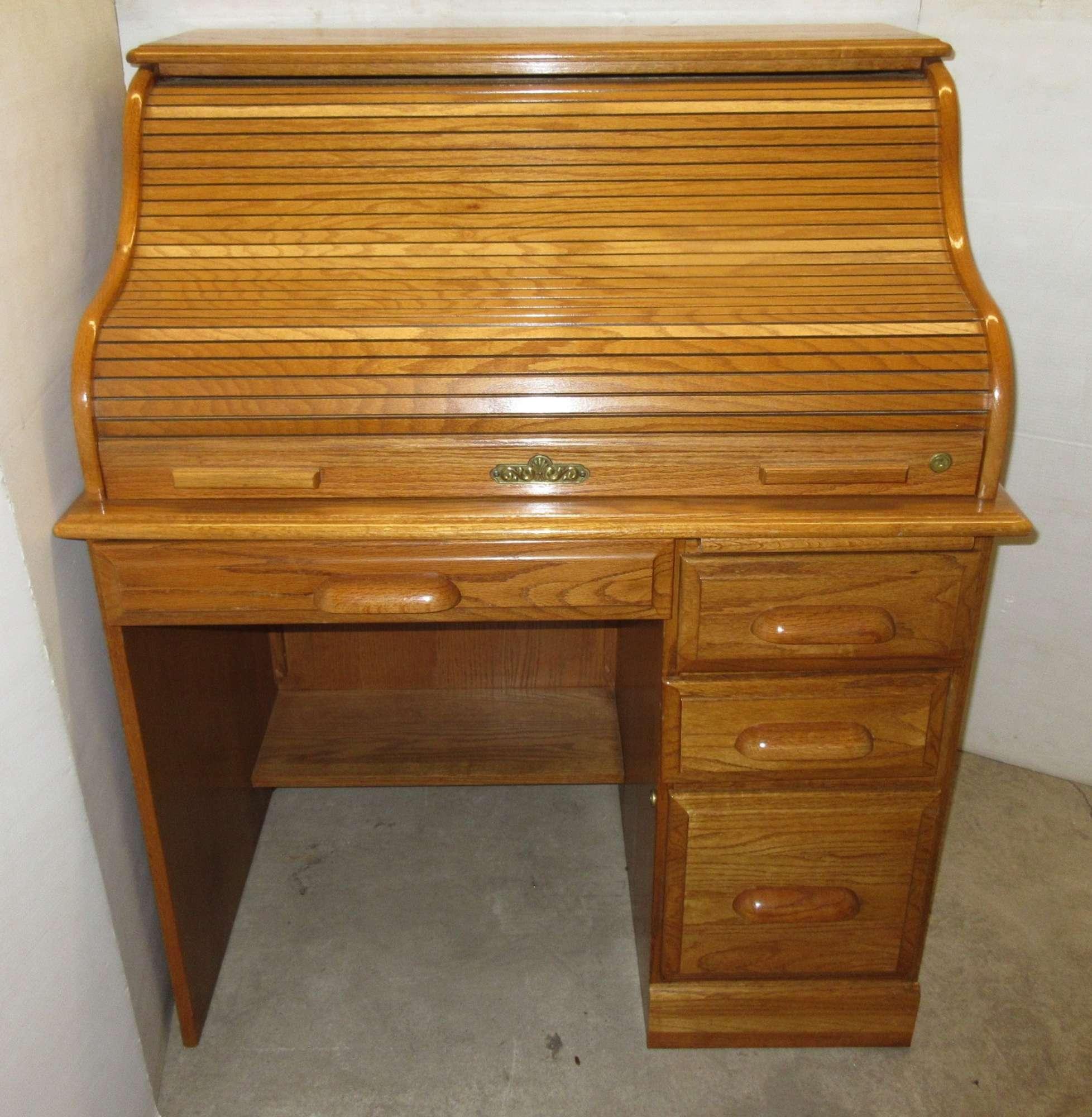 Albrecht Auctions Roll Top Desk Riverside Furniture Oak Creek Collection