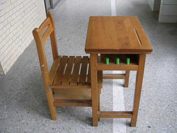 【教室·桌椅】教室桌椅 – TouPeenSeen部落格