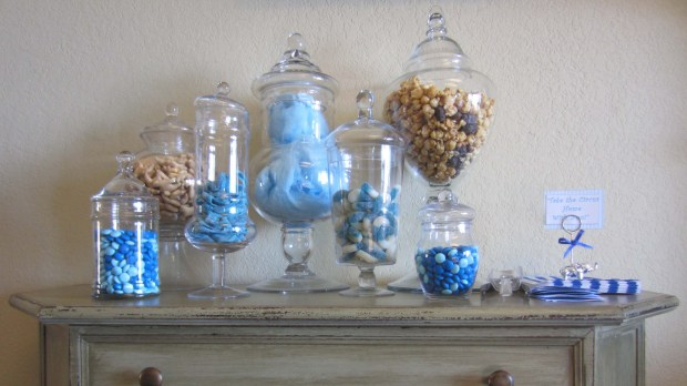 """Candy """"Take Home The Circus"""" Table"""