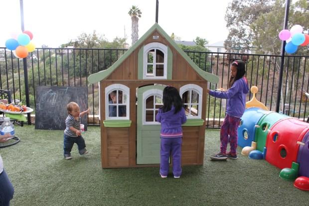 Play house!