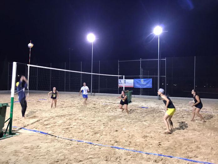 Voley playa nocturno Pinto