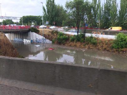 puente inundado
