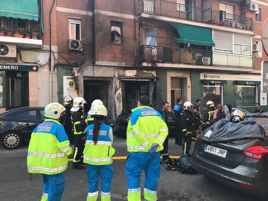 Resultado de imagen de Tres intoxicados en un incendio en una vivienda de Leganés