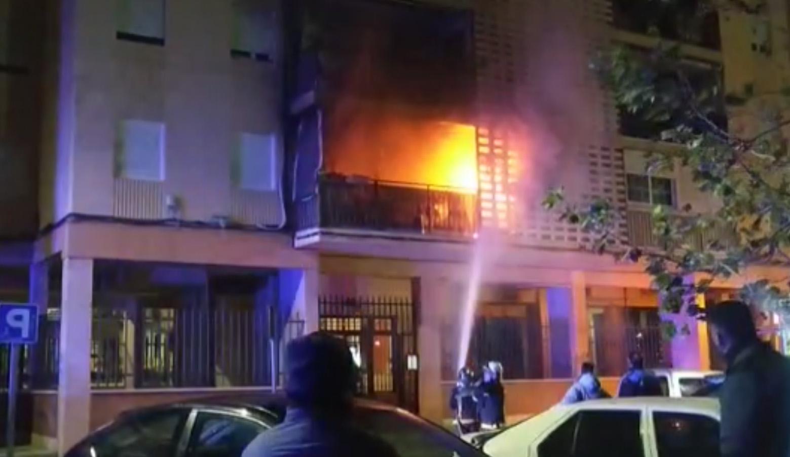 La Terraza De Una Vivienda En Humanes De Madrid Se Incendia