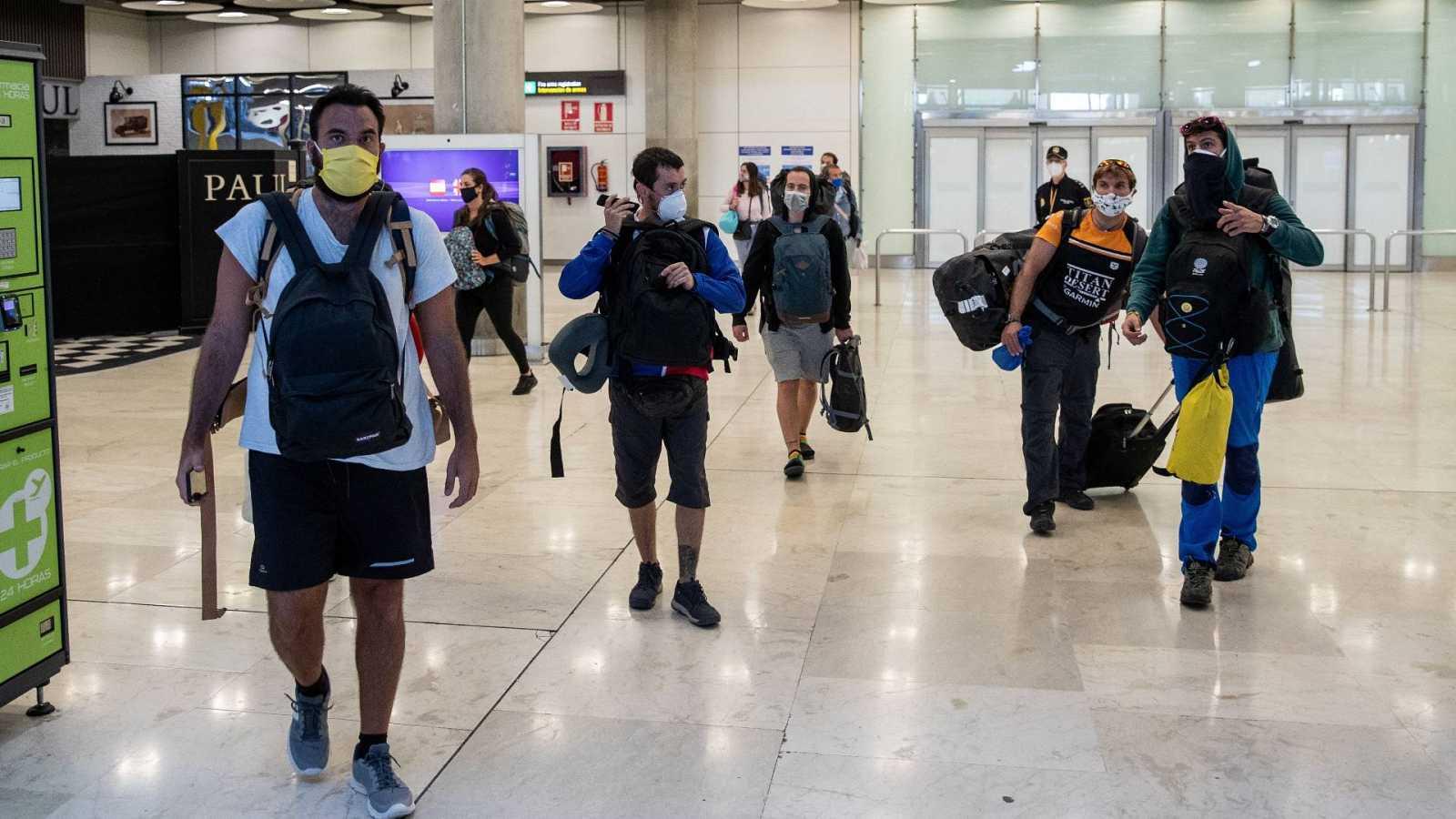 Madrid quiere que los turistas llegados a Barajas reciban un SMS ...