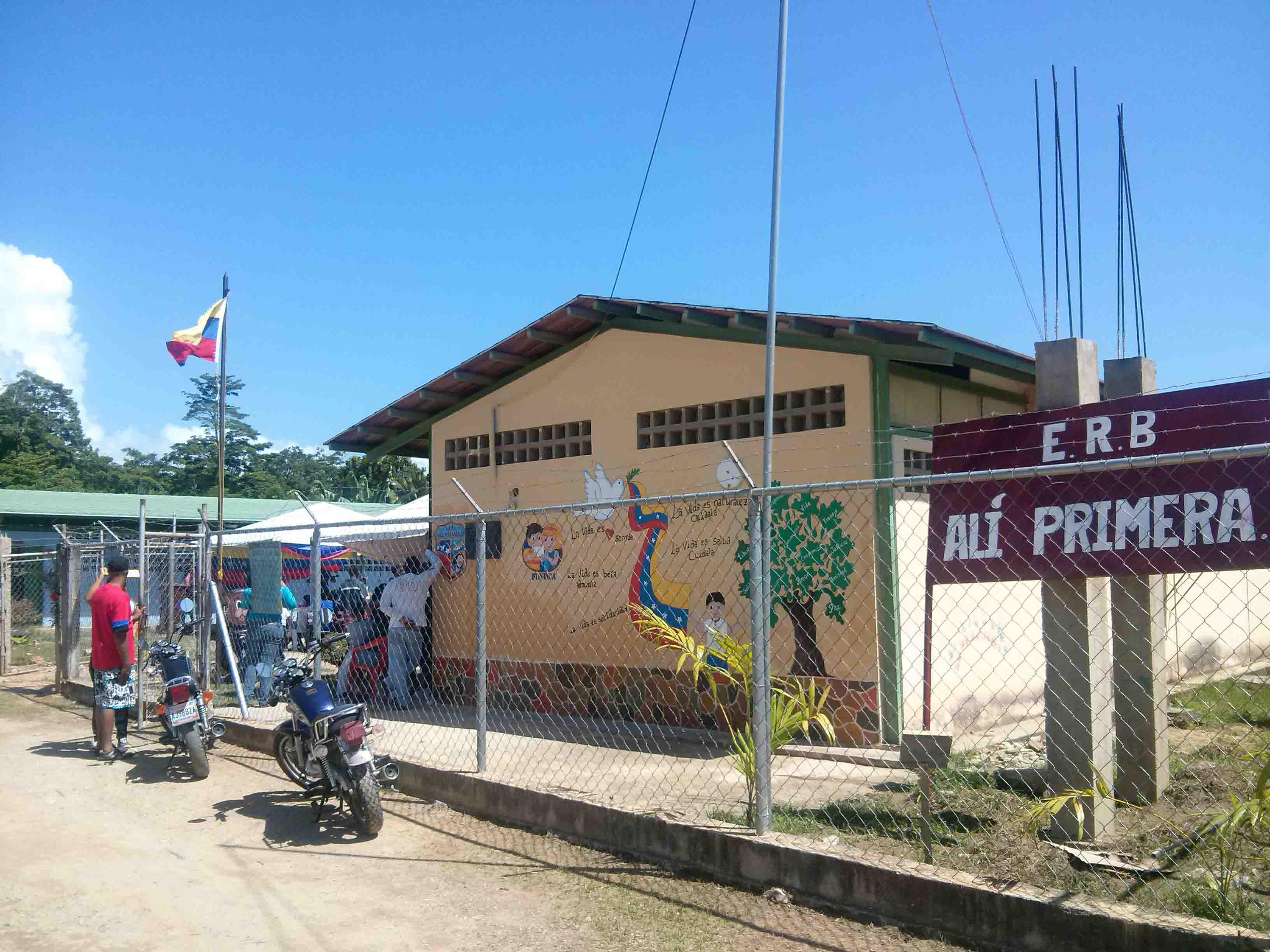 INAUGURADO NUEVO CENTRO EDUCATIVO EN EL MUNICIPIO CAJIGAL