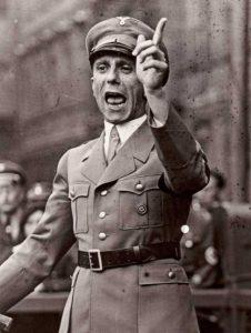 Los 11 principios de la propaganda Nazi de Goebbels