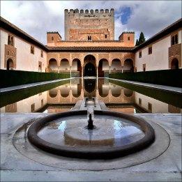 Patio de los Arrayanes, Alhambra de Granada, siglo XIV