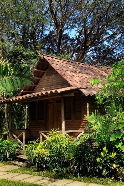 eco-cottage-exterior