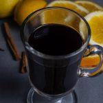 Stock foto klasický svařený víno, vařený dům