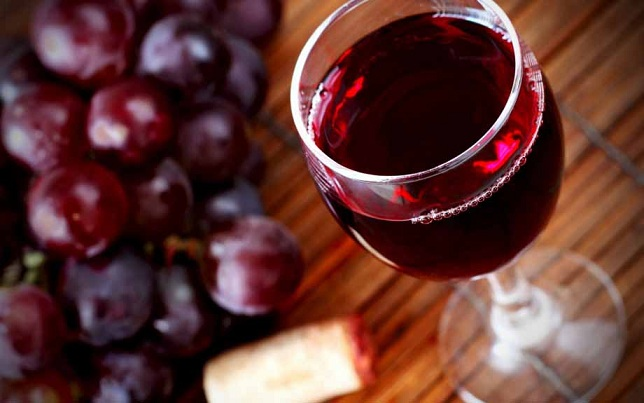 От какого вина повышается давление. Как влияют сладкие и сухие сорта белого вина на давление – повышают или понижают показатели? Как пить вино, чтобы по минимуму навредить организму