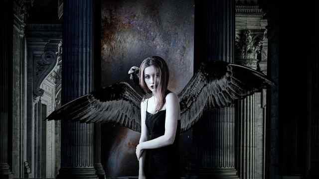 翼の生えた天使