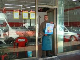 Pescadería Isma comenzó su andadura hace más de un año, en una pequeña tienda de barrio en la calle San José 77 en Alcorcón.