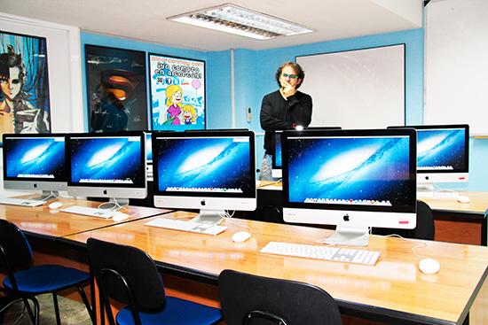 Joaquín y todo su equipo de Agencia digital Softdream Alcorcón en C/ Cañada 4 (junto a C/ Mayor) te enciende el interruptor de tú imaginación.