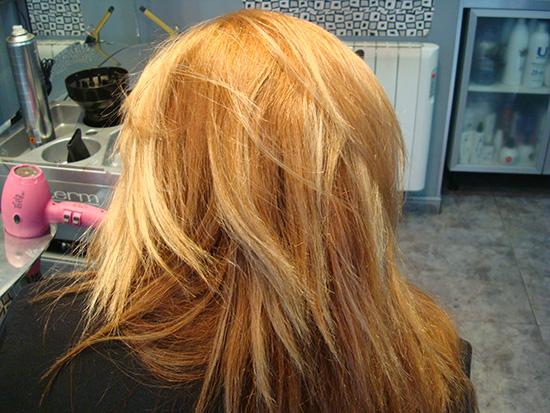 Aprovecha: Color + cortar + peinar los lunes, martes y miércoles a 18 € para pelo corto y a 24 € si es pelo largo. Dilas que vas de parte de AlcorconHoy.