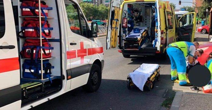 Atropella a una mujer en un paso de peatones y el conductor se dio a la fuga