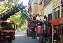 El día 5 de octubre los bomberos de Alcorcón intervienen en la vivienda de un fallecido en avanzado estado de descomposición. Esta actuación ha sido en la Calle Mayor con la Calle Alameda. También ha colaborado el cuerpo de la Policia de Alcorcón.