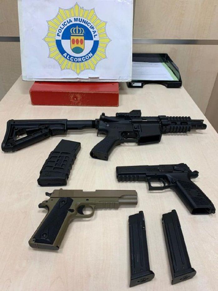 """La Policía de Alcorcón requisa armas """"airsoft"""""""