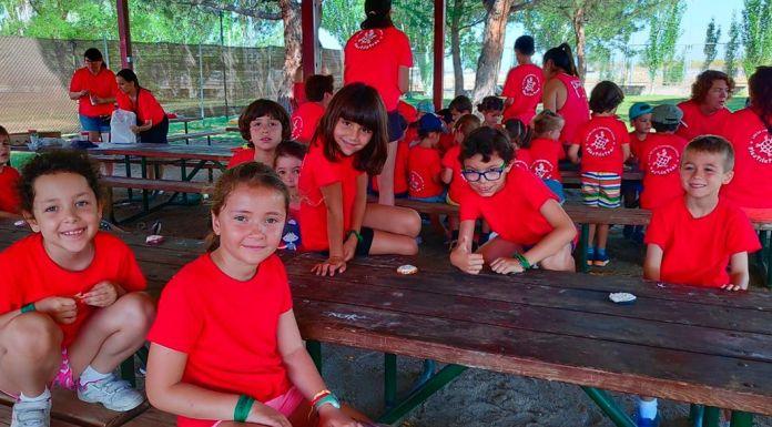 campamentos de verano de las Camisetas Rojas