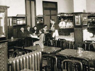 34-12-Interior-Café-Años-20