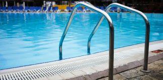 Cierran las piscinas municipales y los parques infantiles de Alcorcón