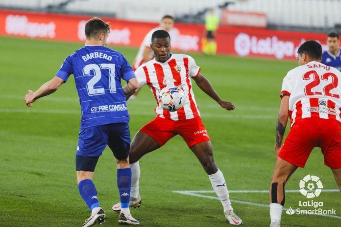Almería 0-0 Alcorcón/ El Alcorcón consigue maniatar al Almería y seguir fuera del descenso