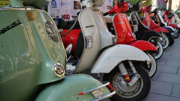 alcoy-vespa-scooter