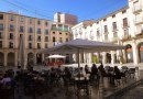 1280px-Alcoy_-_Plaça_de_Dins_02