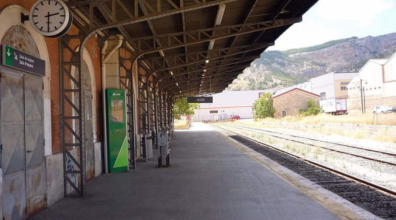 trsain station Alcoy alcoi