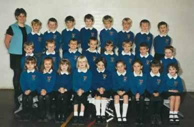 Miss Beadle's Class 2000/2001.