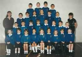 Miss Barratt's Class 2000/2001.