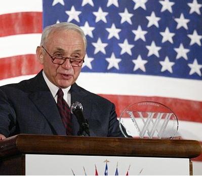 Leslie Wexener recibiendo un premio en la Ceremonia de los Premios Woodrow Wilson, 03/07/2008
