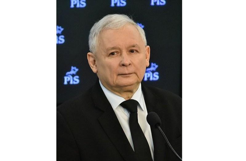 """""""Jaroslaw kacynski en el parlamento"""". Autor: Adrian Grycuk. 31 de Marzo de 2016, 12:53:04 Fuente: Wikipedia."""