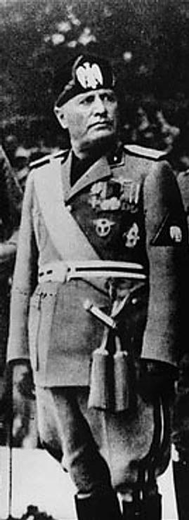 Retrato de Benito Mussolini coloreado. Autor: Martianmister and Vps (Desconocido) Fecha: 3 de Abril de 2006 Fuente: Wikimedia Commons. Dominio Público
