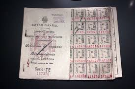 """""""Cartilla de racionamiento de la posguerra española"""". Autor: Falconaumanni (Trabajo propio). Fecha: 1 de diciembre de 2013. 15:19:24. Fuente: Wikipedia. Licencia: CC BY-SA 3.0"""