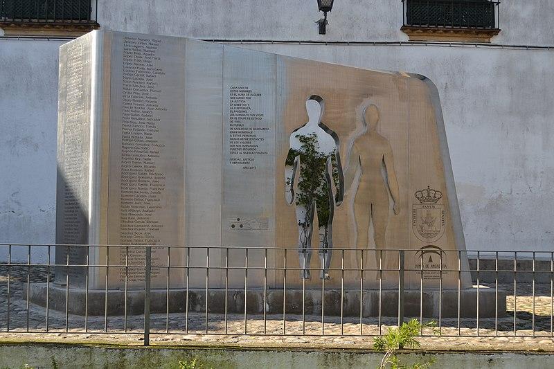 Monumento a las Víctimas de la Guerra Civil y el Franquismo en Sanlúcar de Barrameda, Andalucía, España. Autor: Emilio J. Rodríguez Posada. Fuente: Wikipedia, licencia CC BY 2.0