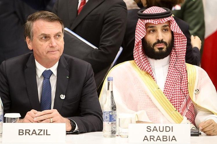 Jair Bolsonaro, presidente de Brasil, y Mohammed bin Salmad Al Saud, Príncipe Heredero de Arabia Saudí, en una reunión sobre Economía Digital en el G20 de 2019. Autor: Clauber Cleber Caetano / PR, 28/06/2019. Fuente: Flickr (CC BY 2.0.)