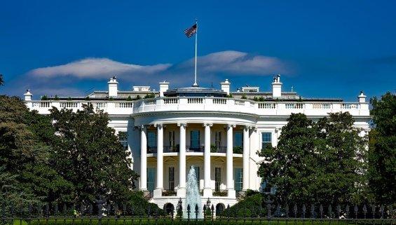La Casa Blanca, residencia del presidente de Estados Unidos, en Washington DC. Autor: Desconocido, 03/10/2008. Fuente: Pixabay. (CC0).