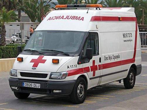 Ambulancia de la Cruz Roja en Miramar, Valencia. Autor: Constantin Groß, 14/07/2008. Fuente: Wikimedia Commons. (CC BY-SA 3.0).