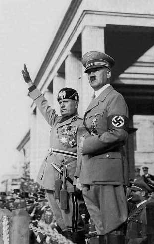 Mussolini con Adolf Hitler. Autor: desconocido, 1936. Fuente: STORE NORSKE LEKSIKON (Falt y det fri).