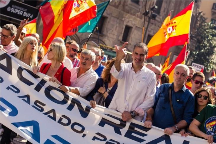 Manifestación de Jusapol en Barcelona, plataforma que ha defendido los abusos de poder de la policía en Cataluña. Autor: Vox España, 29/09/2018. Fuente: Flickr.
