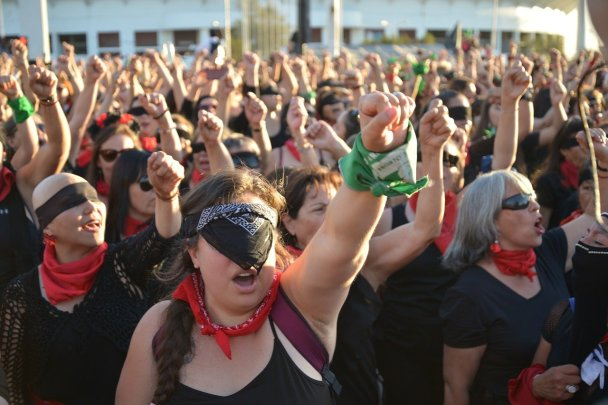 Manifestación del feminismo en Argentina. Autor: Patricia Hurtado. Fuente: Pixabay