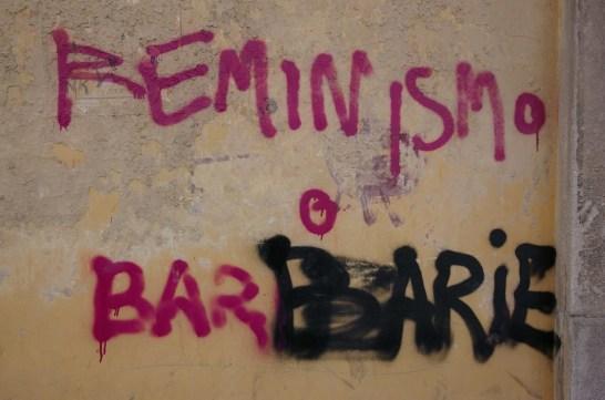"Mural ""feminismo o barbarie"". Autor: galex, 04/02/2006. Fuente: Flickr (CC BY-SA 2.0.)"
