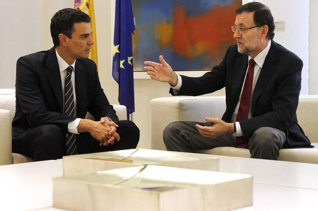 Mariano Rajoy recibe al secretario general del PSOE, Pedro Sánchez. Autor: La Moncloa, 28/07/2014. Fuente: Flickr (CC BY-NC-ND 2.0).