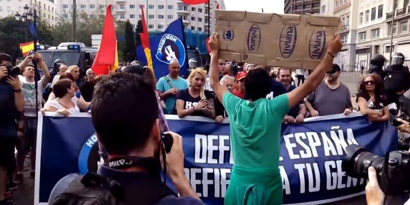Manifestación neonazi en Madrid encabezada por el grupo neofascista Hogar Social Madrid, el cual se ha constituido como partido político. Autor: Fuente: canalinfoLibre, 26/05/2016. Fuente: Canal de Youtube infoLibre