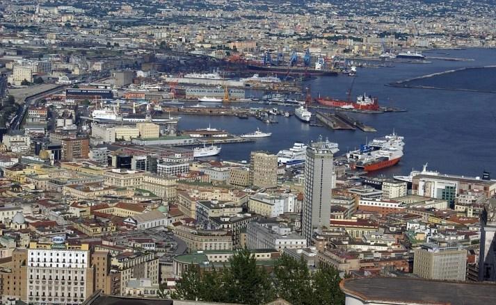 Puerto de Nápoles, principal ubicación de Gomorra.