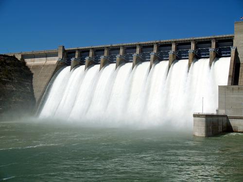 Ortiz defiende tarifa fija de agua a residenciales